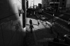 machida (chihilo) Tags: road street light shadow people bw man reflection car japan wall canon store highcontrast ombre  rue   japon 109   machida