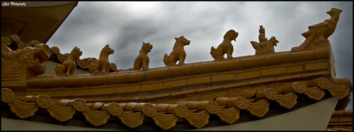 Guang Ming Temple Roof Sculptures