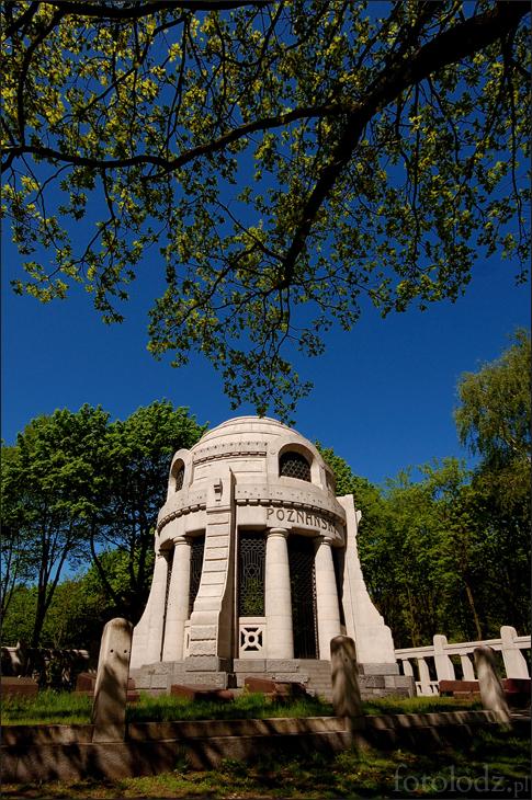 Mauzoleum Leonii i Izraela Poznańskich na cmentarzu żydowskim w Łodzi