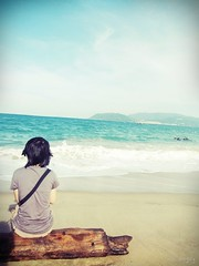 You dont know how long I've been waiting for you (.ellz.) Tags: sea summer vacation sky beach girl photography waiting vietnamese wind thoughts photograph trang nha edwardcullen
