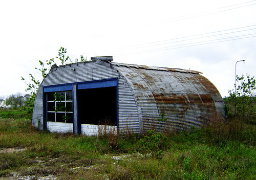 Quonset 2, north of Dickinson Bayou at Hwy 146, Texas 0404091454