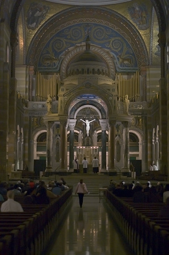Cathedral Basilica of Saint Louis, in Saint Louis, Missouri, USA - Maudy Thursday 2009, preparation for Tenebrae