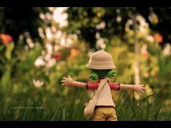 Jump Into The Green (khaniv13) Tags: park flowers trees green indonesia nikon scene jakarta actionfigures manualfocus yotsuba revoltech af50mmf14d d40x tamanmenteng khaniv13