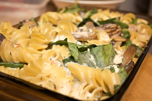 creamy mint (vegan) pasta bake