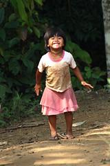 meu coração não se cansa... (gleicebueno) Tags: brazil smile brasil kids children gente indian alegria indios criancas guarani aldeias uruty
