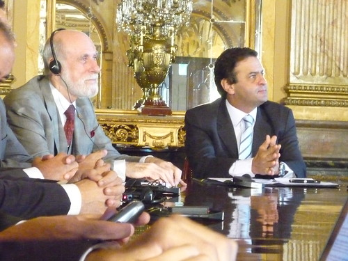 Vint Cerf e Aécio Neves
