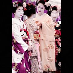 Baika-sai (Masahiro Makino) Tags: girls japan photoshop canon eos kyoto shrine maiko adobe   kimono tamron 28300mm  lightroom kitanotenmangu  40d 20080225134822canoneos40dls640p