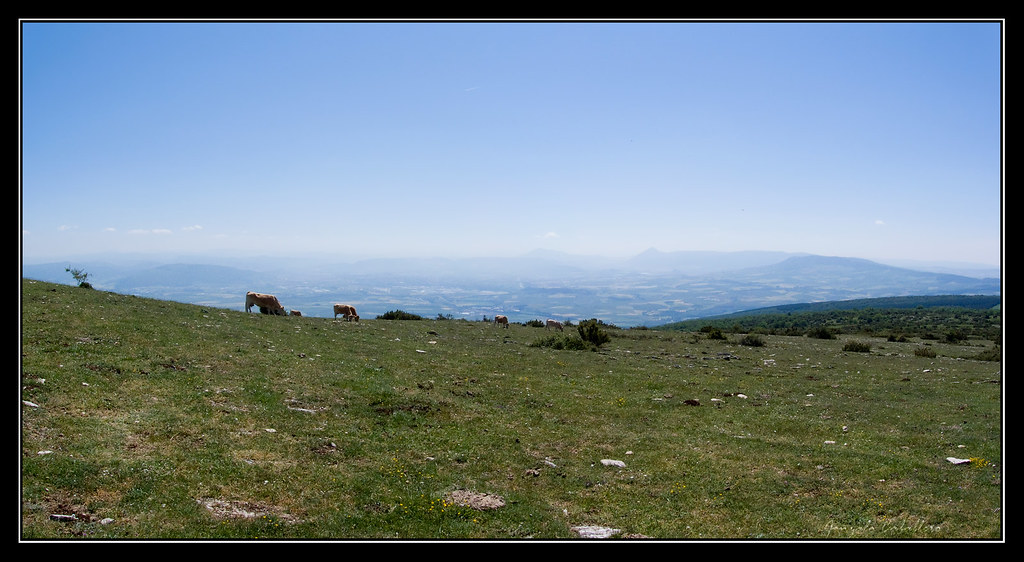 Cuenca de Pamplona desde la cima del Mortxe