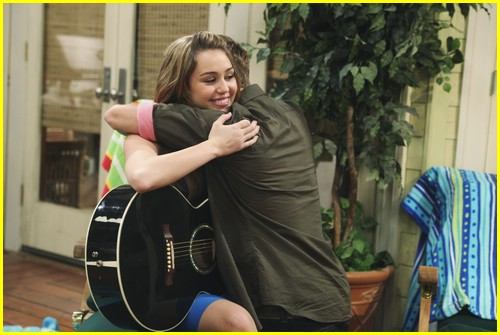 miley-cyrus-cody-linley-one-12