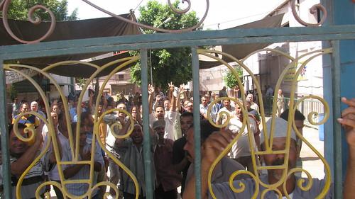 Tanta Flax and Oil Co Strike enters 30 day إستمرار إضراب عمال طنطا للكتان والزيوت
