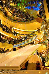 Holiday Atrium (photo.klick) Tags: christmas holiday stairs lights ship piano vessel photoblog gathering atrium christmaseve grandpiano princesscruises coralprincess katsingercom