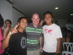 Meeting two other American couchsurfers in Medellin