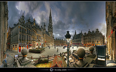 Grand place @ Brussels, Belgium :: Single shots HDR panorama (Erroba) Tags: houses brussels photoshop canon rebel europe belgium belgique grandplace terrace cityhall tripod belgi bruxelles sigma tips remote 1020mm erlend brussel terras hdr stadhuis grotemarkt cs3 3xp photomatix medeivel tonemapped tonemapping xti lhteldeville 400d erroba robaye erlendrobaye lamairi