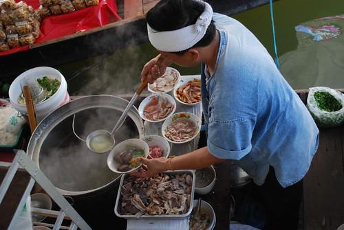 Cibo cucinato all'aperto