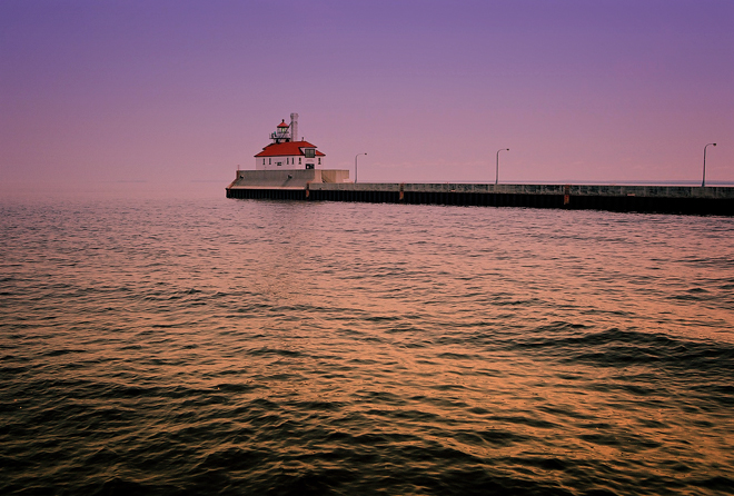 Duluth breakwater lighthouse