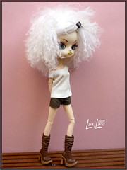 Gialla toute douce. (.LanyLane.) Tags: bigeyes doll dal plastic poupe plasticdoll junplanning dalhangry wigmohair