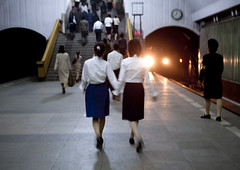 Pyongyang subway North Korea (Eric Lafforgue) Tags: pictures friends subway photo war asia metro picture korea asie coree northkorea nk amies pyongyang dprk coreadelnorte 2308 northkorean nordkorea lafforgue    coredunord coreadelnord  northcorea  insidenorthkorea  rpdc  coriadonorte  kimjongun coreiadonorte