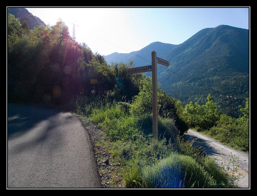Camino a la Ermita de Santa Elena (Valle de Tena)