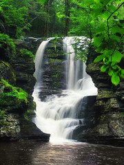 Split (Nicholas_T) Tags: trees creek forest waterfall spring lowlight stream pennsylvania falls creativecommons poconos ravine deciduous pikecounty delawarewatergapnationalrecreationarea dingmanscreek fulmerfalls georgewchildspark