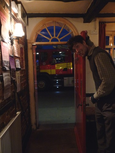 small-fire-engine-dunsfold-pub