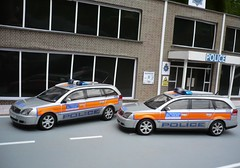 1:43 Code 3 Vauxhall Vectra Met Police Borough Cars (alan215067code3models) Tags: 3 car code police borough met vauxhall 143 vectra