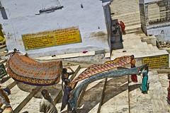 Ladies drying sarees at Pushkar sarowar (Sapna Kapoor) Tags: india religion pushkar rajasthan sarowar