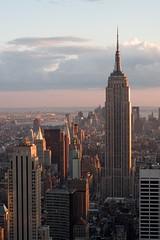 Sunset on the ESB (timtom.ch) Tags: sunset usa newyork skyline skyscraper rockefellercenter esb empirestatebuilding topoftherock
