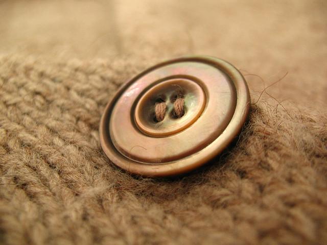 DB cardi button