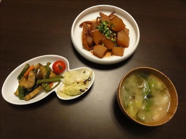 2011年5月8日 夕食(イカを炊飯器で炊くと……)