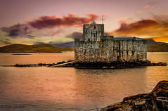 Kismul Castle, Isle of Barra (Impact Imagz) Tags: sunset sun castle medieval barra westernisles outerhebrides castlebay sealoch medievalcastle kismulcastle kismul ciosmuil