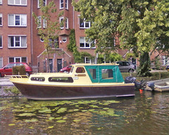 Amsterdam by boat. (mkaputz) Tags: amsterdam boot boat grachten