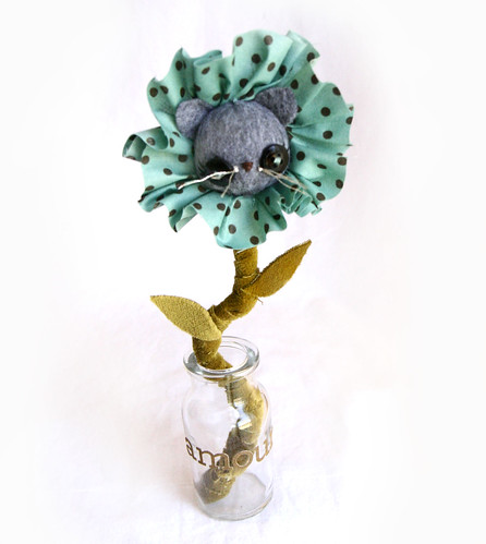 Valentine flower- amour by Skunkboy Creatures..