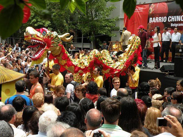 Danza del Dragon en la cultura China y Argentina