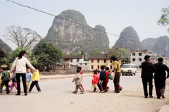 Little Street-Crossers - Yangshuo, Guangxi 1989 (Gedawei ) Tags: china film guilin yangshuo pentaxk1000 1989  1980s guangxi   80