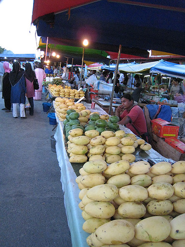 Mangos at Filipino Night Market