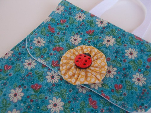 blue daisy sachet pocket
