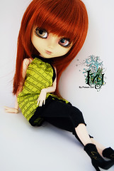 Ivy - Pullip Zuora (-Poison Girl-) Tags: red white black green doll barbie ivy pale redhead carrot pullip pullips poisongirl obitsu junplanning rewigged zuora pullipzuora sbhm