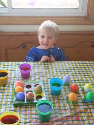 owen dyes eggs