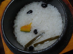 rice in that yellow box..it's HOT so don't burn yourself...u scoop the rice out and then u pour some water or tea in the bowl...after you're done eating u eat the hard/burnt rice...kinda weird if u ask me but I still eat it (hellaOAKLAND) Tags: food hot dinner beans rice bowl korea pork korean foodporn kimchi koreanfood iatethis realfood yeongju
