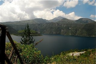 ecuador-florida-lake-property-comparison