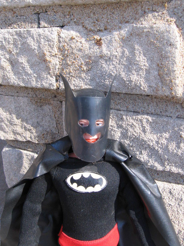 batman_redboxknockoff2
