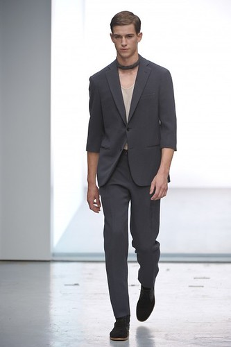 Julius Beckers321_SS10_Paris_Cerruti