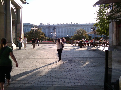 Llegando a la Plaza de Oriente