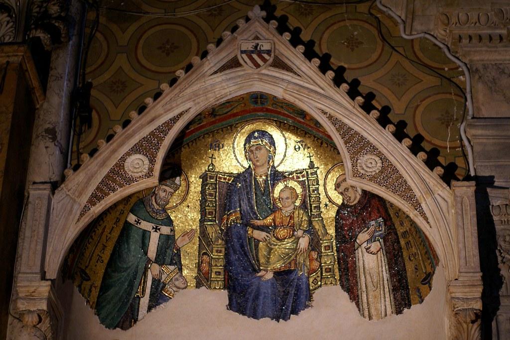 Rom, Santa Maria sopra Minerva, Mosaik von Giovanni di Cosma von 1296, hl. Dominikus, Madonna mit Jesuskind und San Privato di Mende