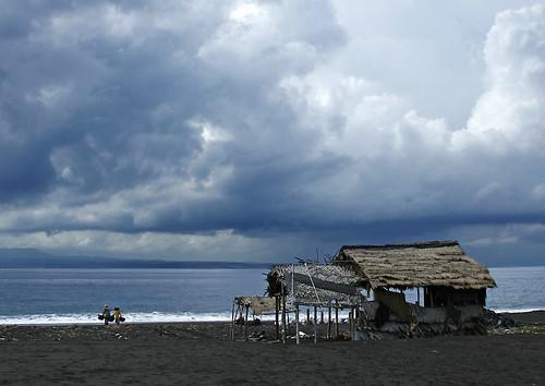 _MG_0597-w Cloudy day for the salt farmer
