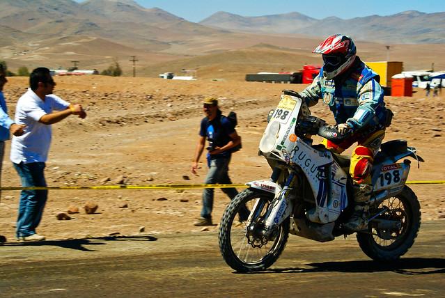 race honda bikes ktm bmw yamaha motor dakar sportsaction pilots aprilia alexfuentes alexcampro dakar2009 cristobalguerrero pilotoaccidentado accidentedakar