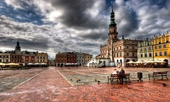 The Old City quarter of Zamo - HDR (Wojciech Andruszkiewicz) Tags: photoshop geotagged pentax cityhall sigma poland polska townhall oldtown 1020 dri hdr highdynamicrange lightroom sigma1020mm staremiasto starwka starowka ratusz zamo zamosc sigma1020 sigma1020mmf456exdchsm zabytek zabytki k100d pentaxk100d pentaxk100dsuper perarenesansu padwapnocy miastoarkad geo:lat=50717302 geo:lon=23252638