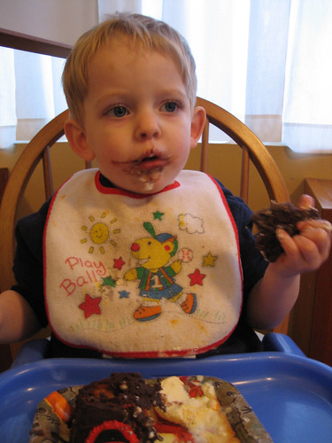 erik eating his birthday cake