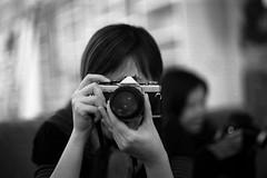 Tainan_20090101_37 (Lordcolus) Tags: people bw monochrome cafe flickr meetup minolta kodak taiwan hc110 400tx 台灣 台南 minoltaxd11 taina daffie autaut dilutione mcrokkorx58mmf12 microtekartixscanf1