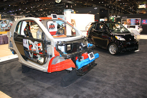 Chicago Auto Show 2009 – Smart Car Plays The Safety Card